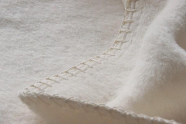 Bio Tagesdecken aus kbA-Baumwolle NATUR gehäkelter Rand